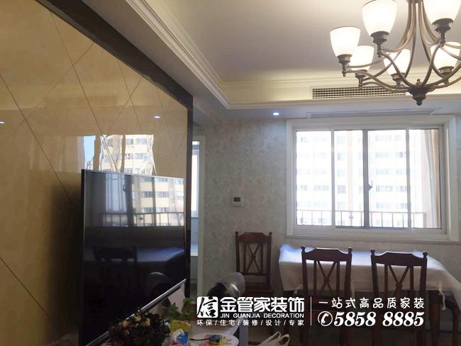 金管家装饰设计师杨雪微笑服务拜访石头城业主家.jpg
